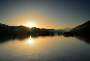 秋元湖の日の出
